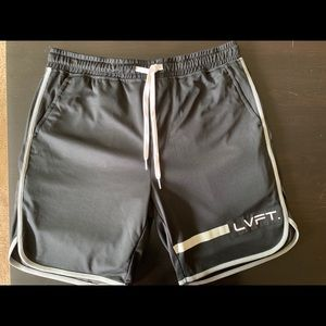 Men's size small Live Fit shorts. LVFT.
